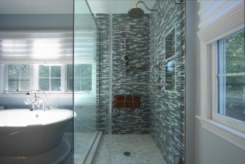 lakejacksonbathroom9